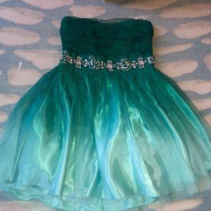 Green formal/homecoming dress